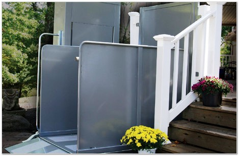 metro-atlanta-handicare-sterling-9000-deck-porch-vertical-lift-atlanta-home-modifications1